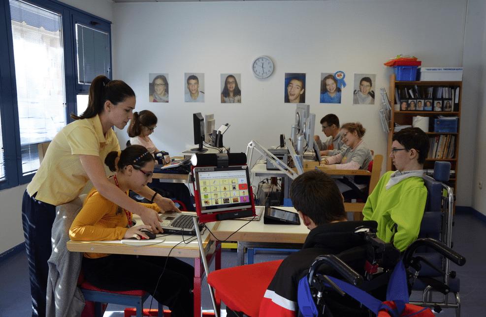 Ecopilas y Fundación Bobath hacen frente a la parálisis cerebral
