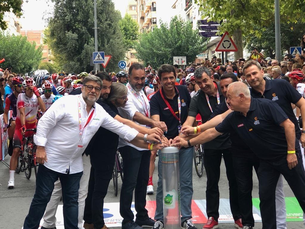 Gesto por el Reciclaje de Pilas en la Vuelta a España